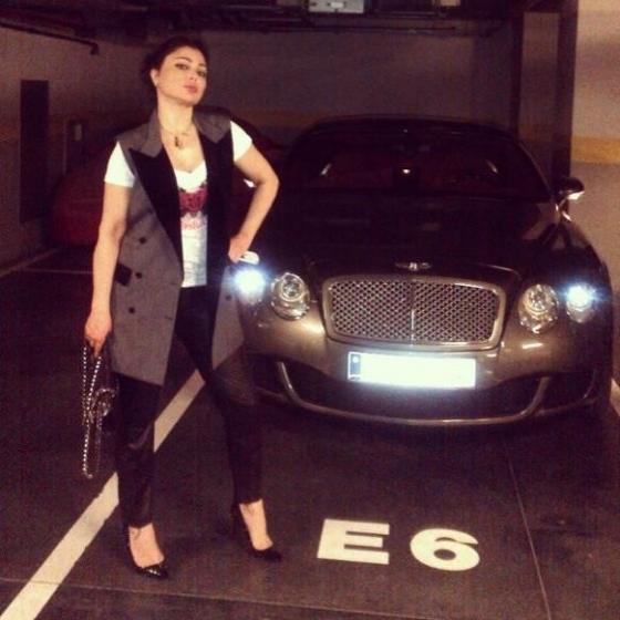لسيارتها..صور